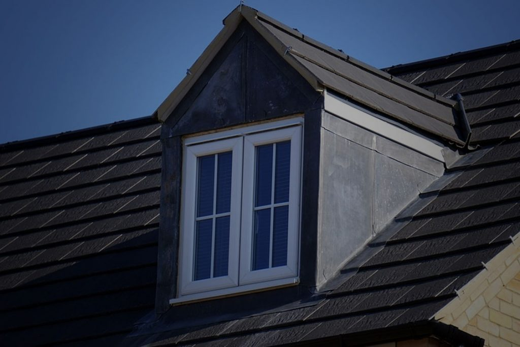 Benefits of Hiring A Commercial Roofer Near Me